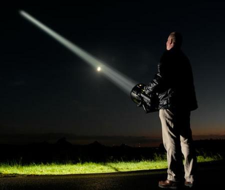 maxblaster-super-flashlight.jpg
